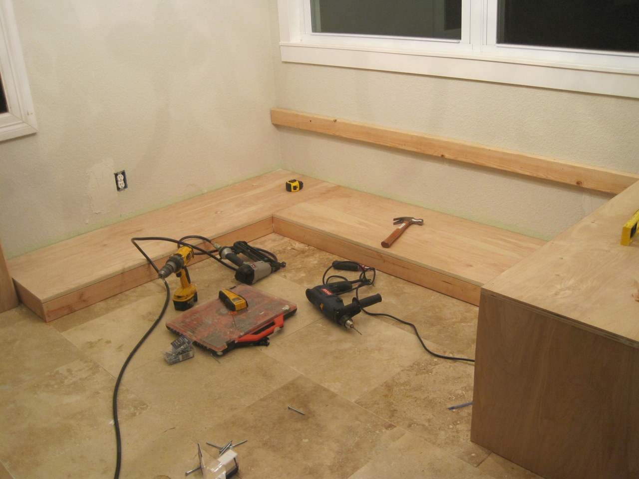 Build It – Bench Seating for the Kitchen Nook